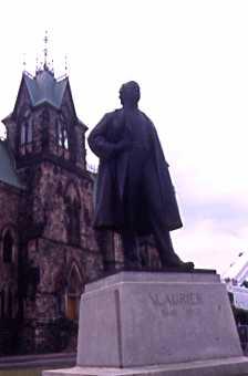 Laurier Statue